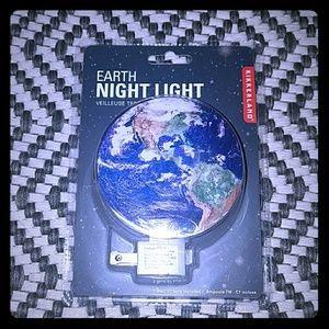 NWT EARTH NIGHT LIGHT